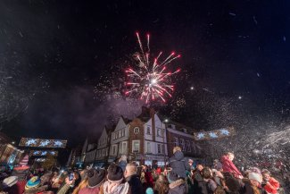 Letchworth Christmas light switch on Leys Avenue